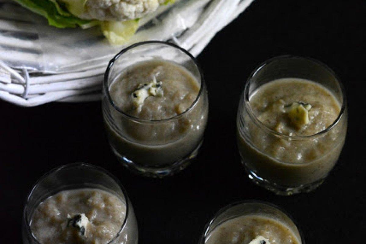 Crema de coliflor al toque de queso roquefort