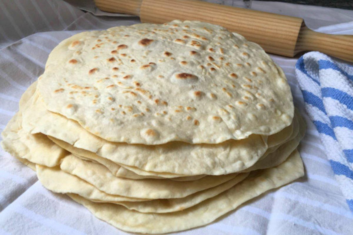 Tortillas de harina de trigo muy fáciles para burritos, quesadillas y sincronizadas