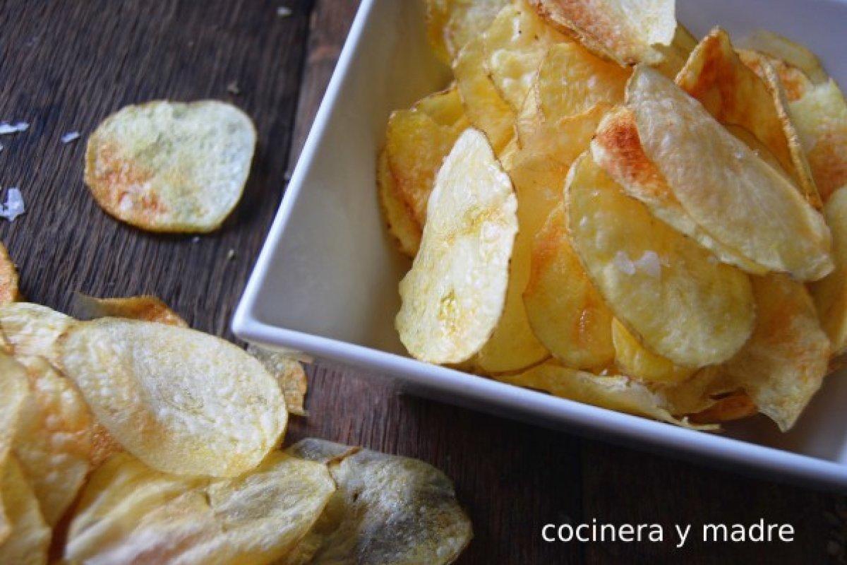 Patatas chips al microondas fáciles y crujientes