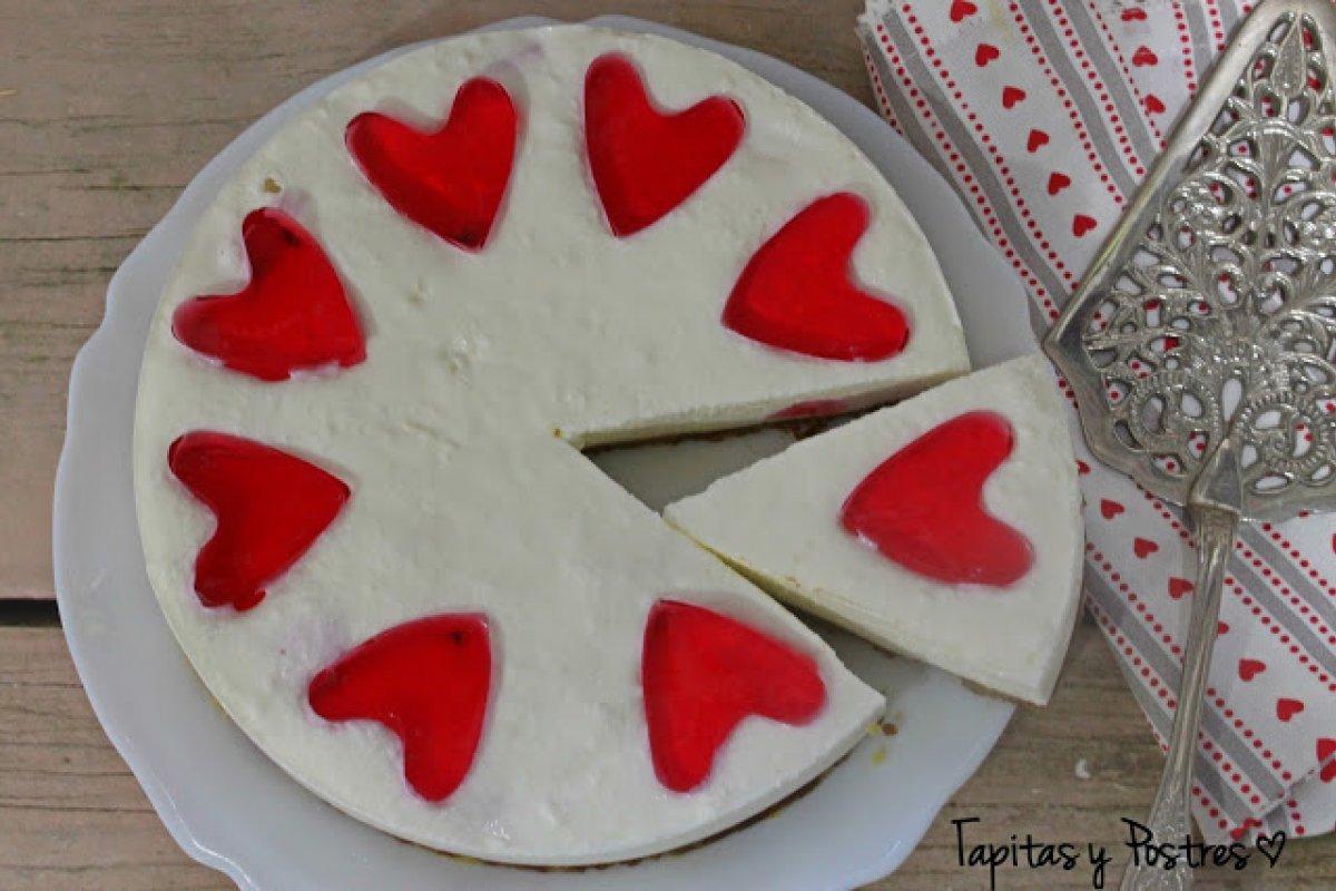 Pastel de yogur y corazón de gelatina
