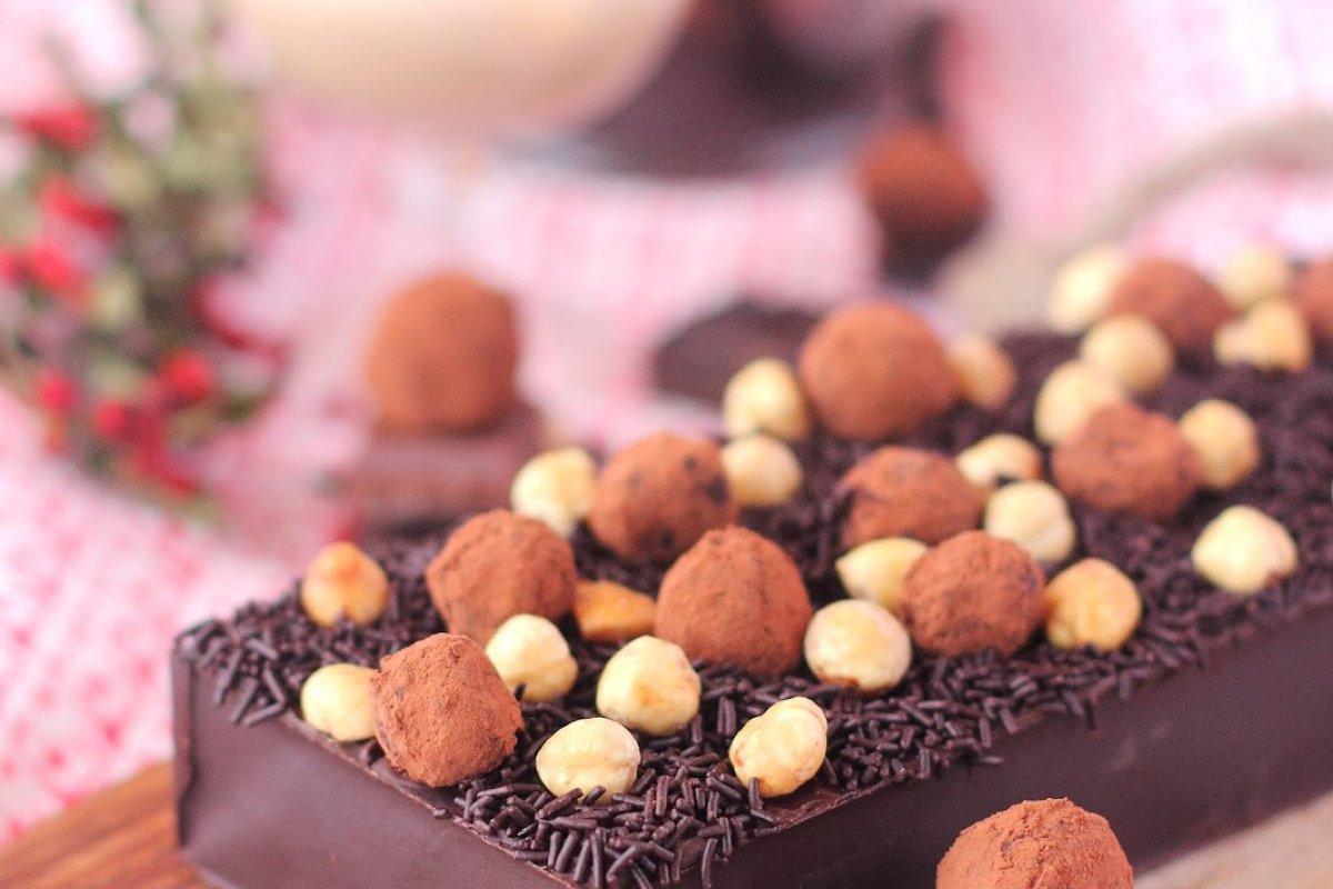 Turrón cremoso de chocolate con trufas