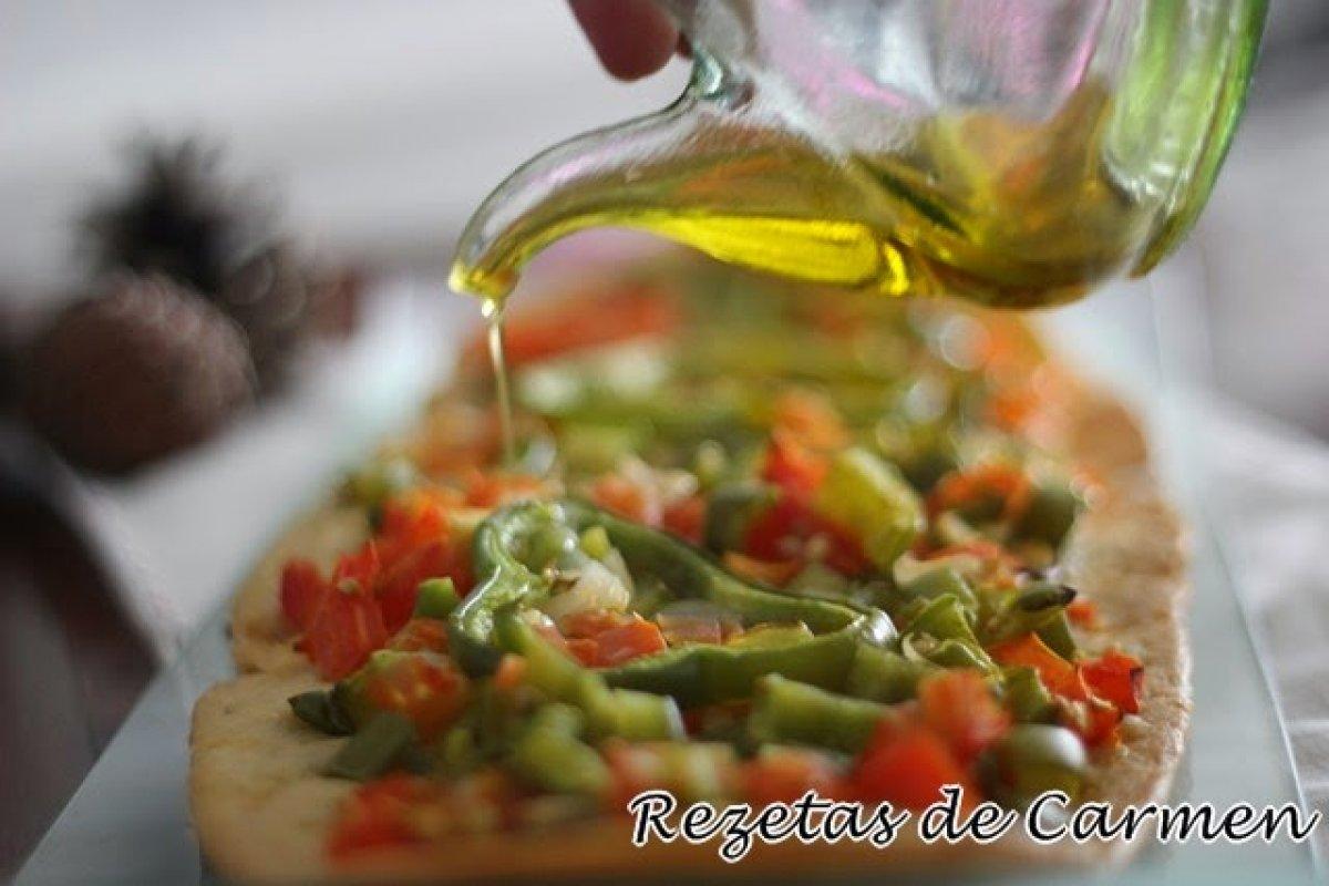 Coca de verduras o de trempo