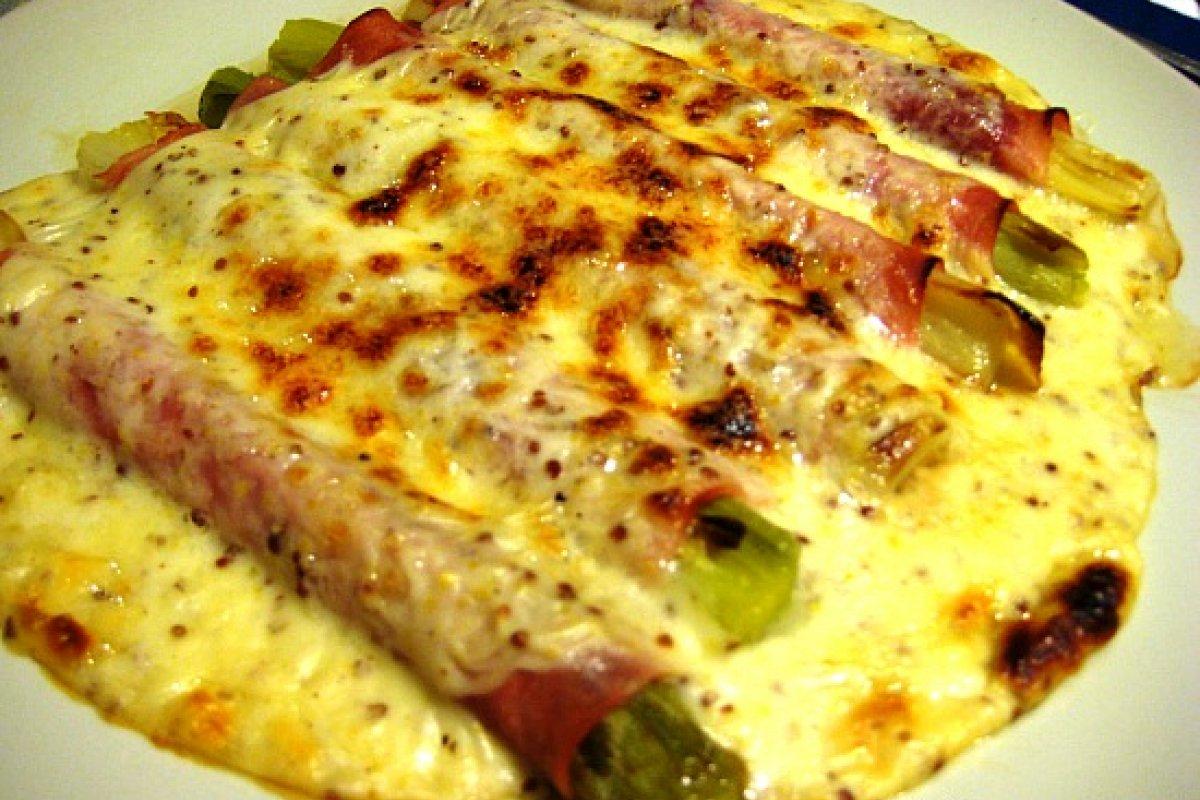 Puerros gratinados con mostaza a la antigua y queso Idiazábal