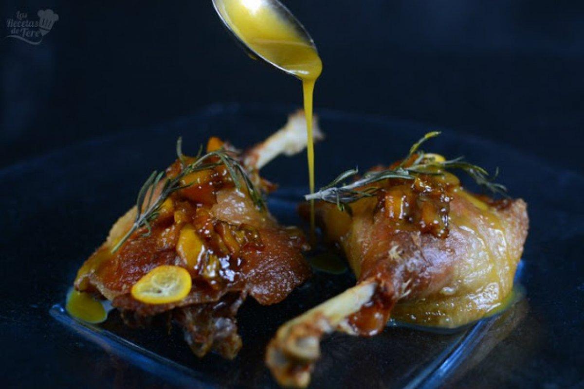 Confit de pato a la reducción de kumquat