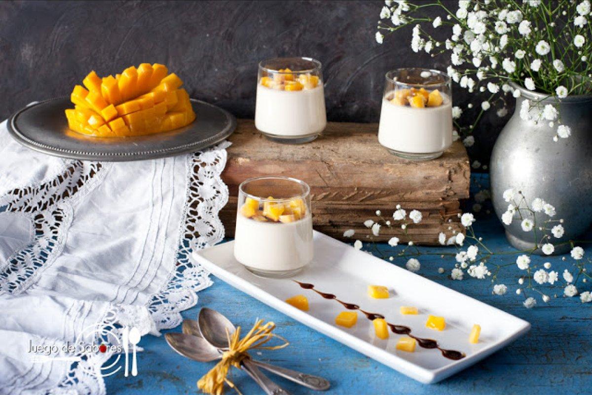 Panna cotta de foie y mango