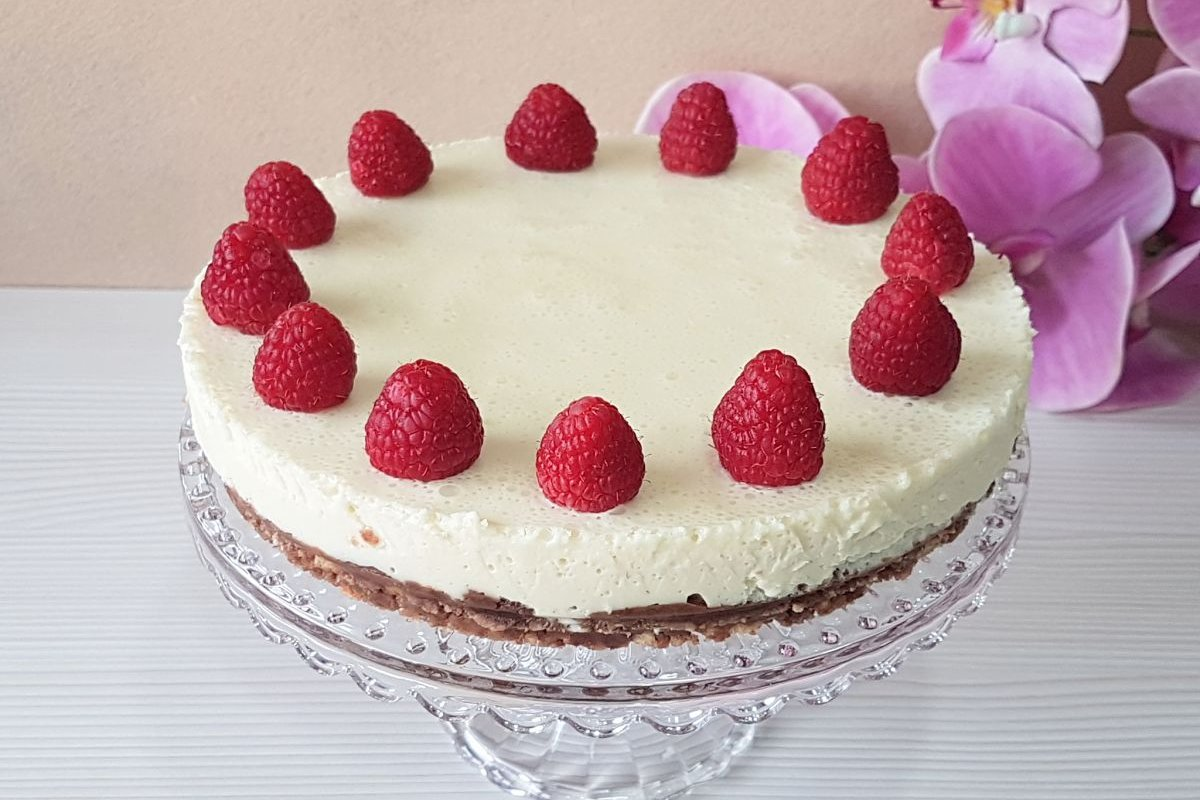 Tarta de mascarpone y chocolate blanco sin azúcar