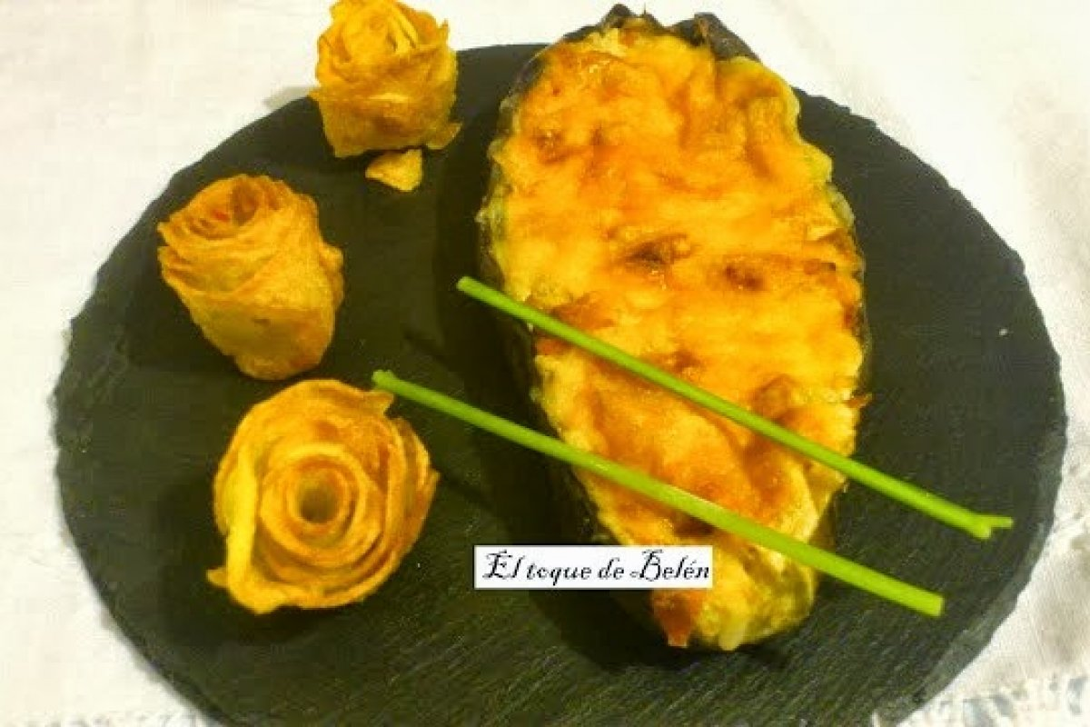 Berenjenas rellenas y flores de patata