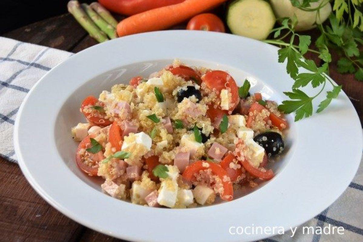Ensalada de quinoa sana y ligera