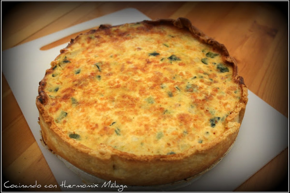 Quiche de calabacín y bacon con un toque de enmental