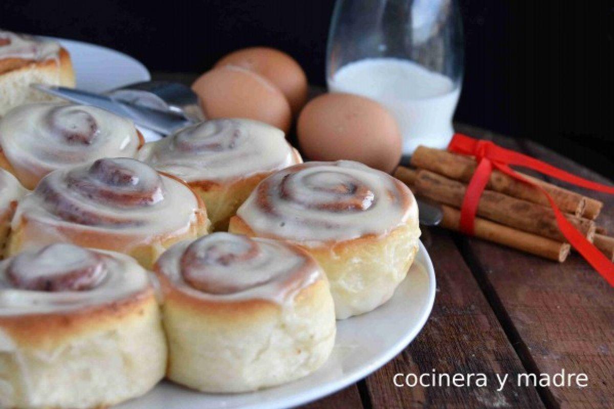 Rollos de canela caseros o cinnamon rolls