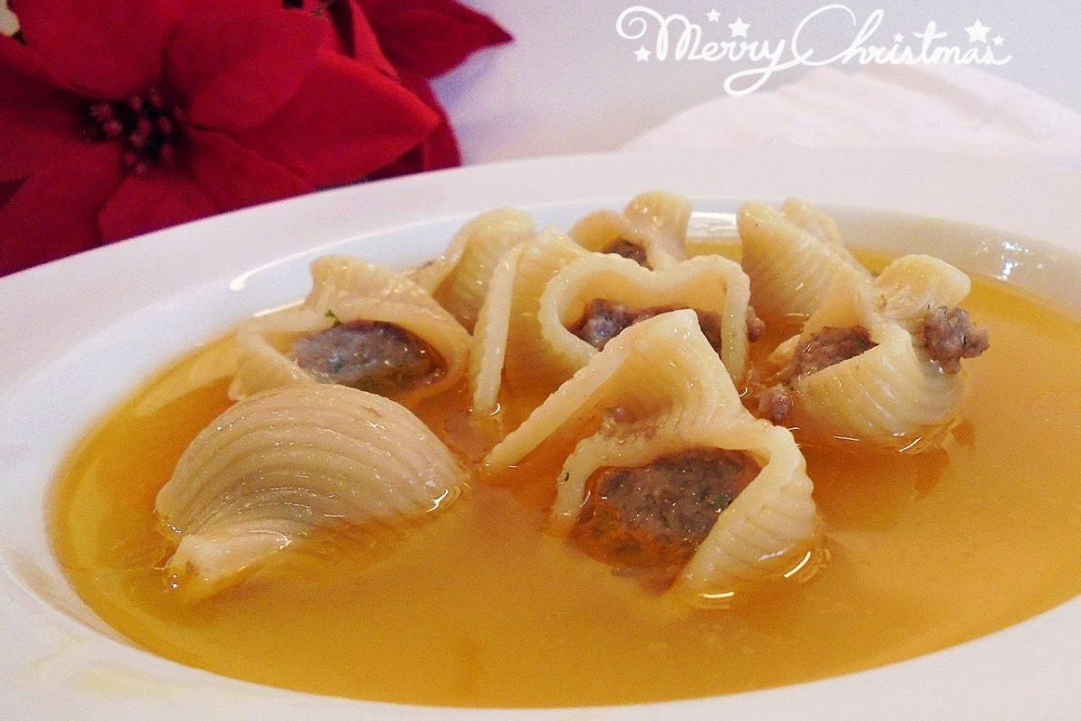 Sopa de navidad (sopa de galets)