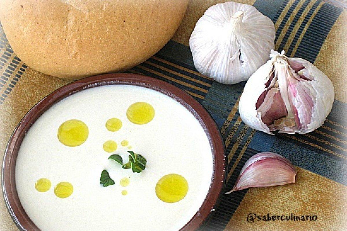 Recetas de ajoblanco con almendras o con harina de habas