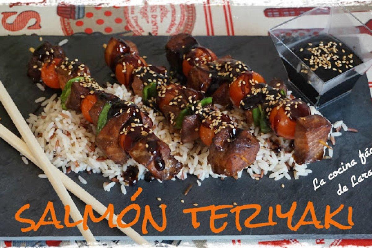 Brochetas de salmón teriyaki al horno.¡con salsa teriyaki casera!