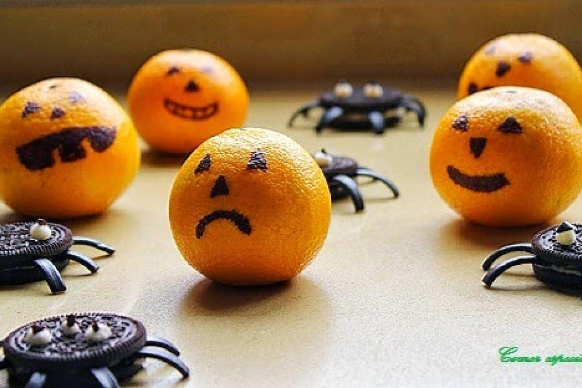 Galletas araña y mandarinas calavera