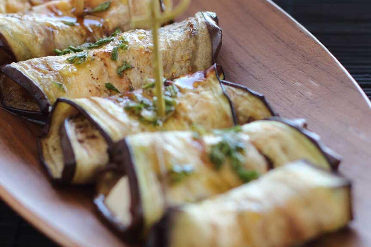 Rollitos de berenjenas con queso de cabra