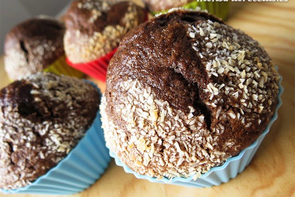 Magdalenas de chocolate y coco