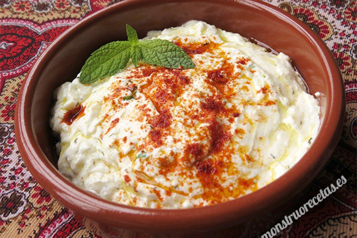 Haydai, salsa turca de yogur
