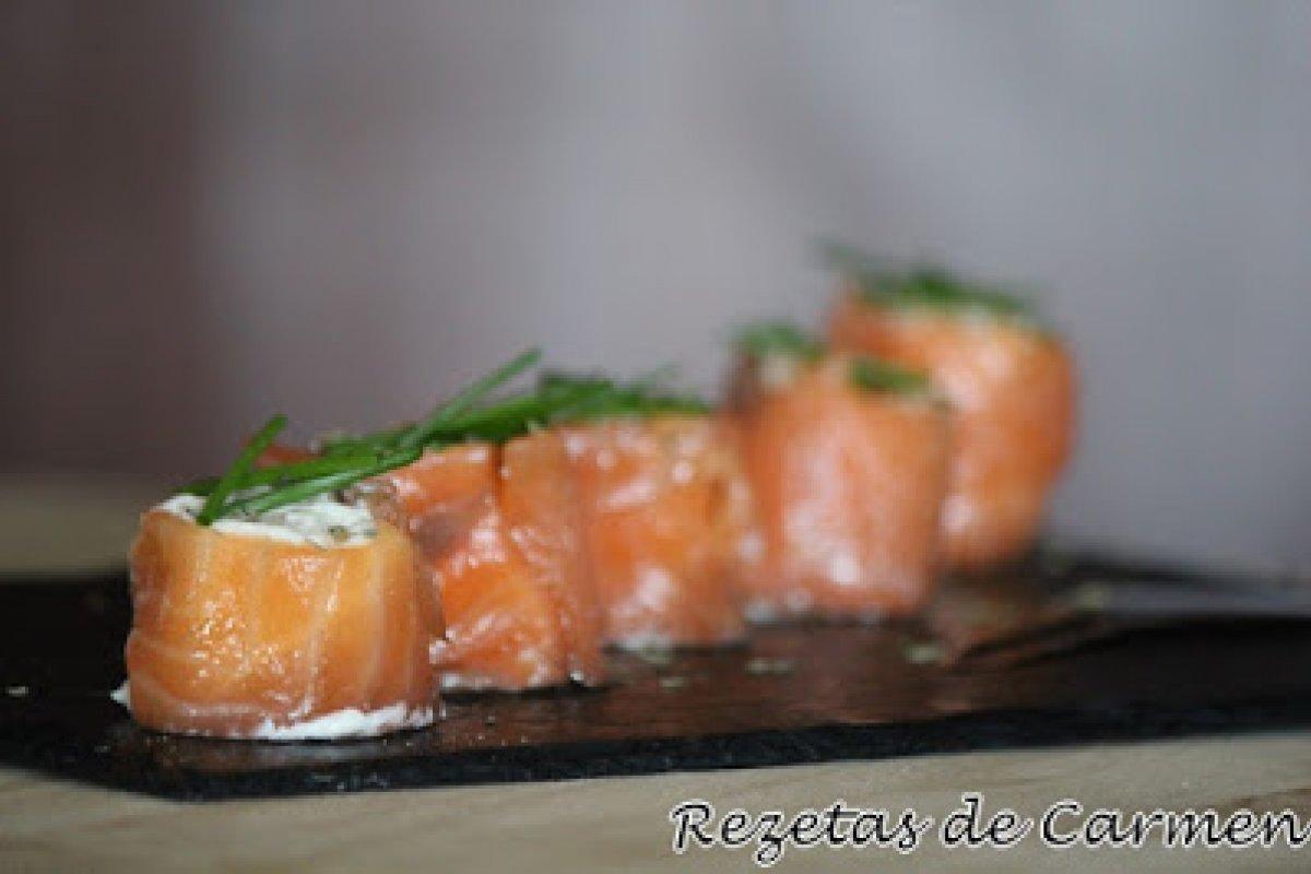 Rollitos de salmón con manzana