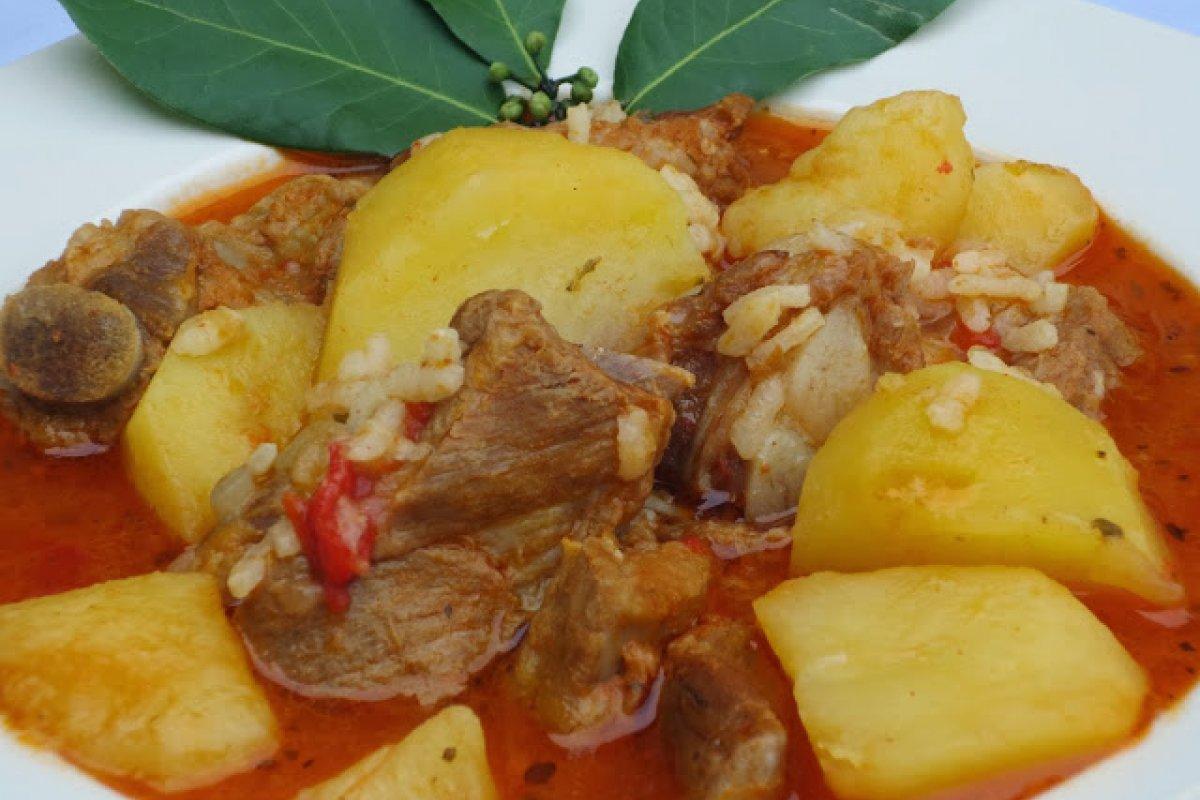 Patatas con costilla
