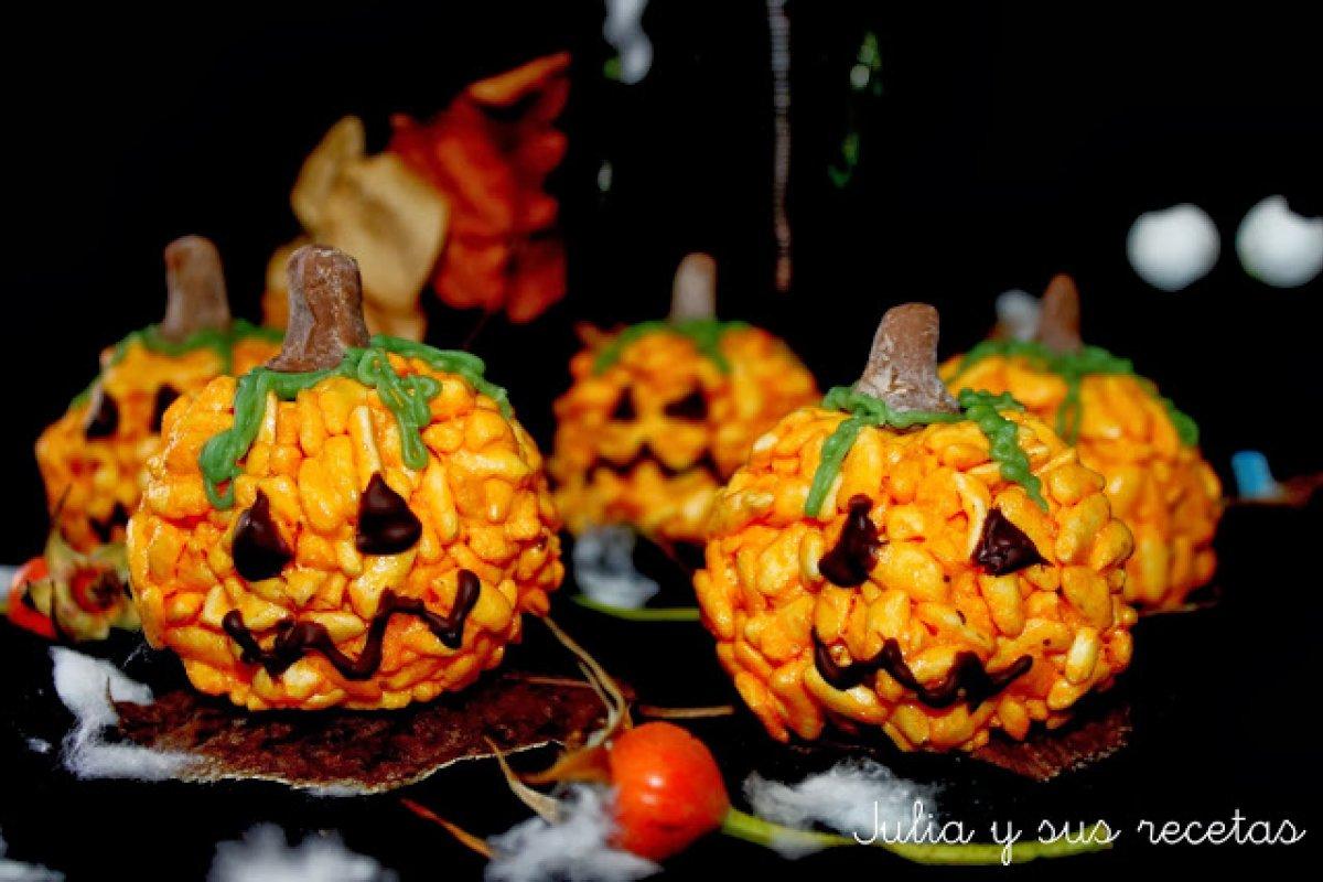 Calabacitas de arroz inflado y nubes para halloween